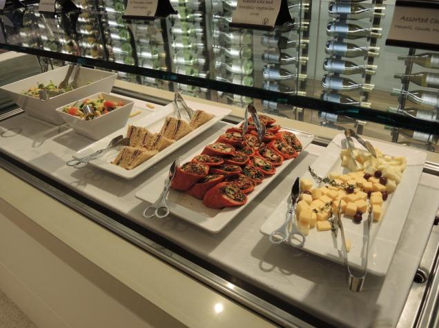 LAX Star Alliance Lounge food