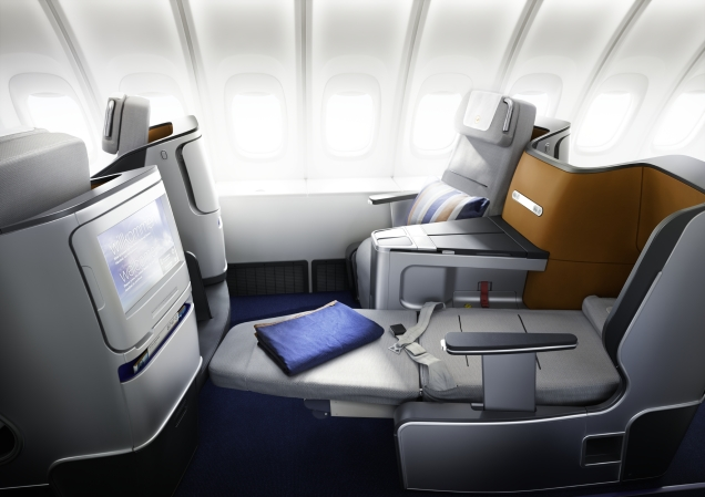 LH A380 Biz lie flat.jpg